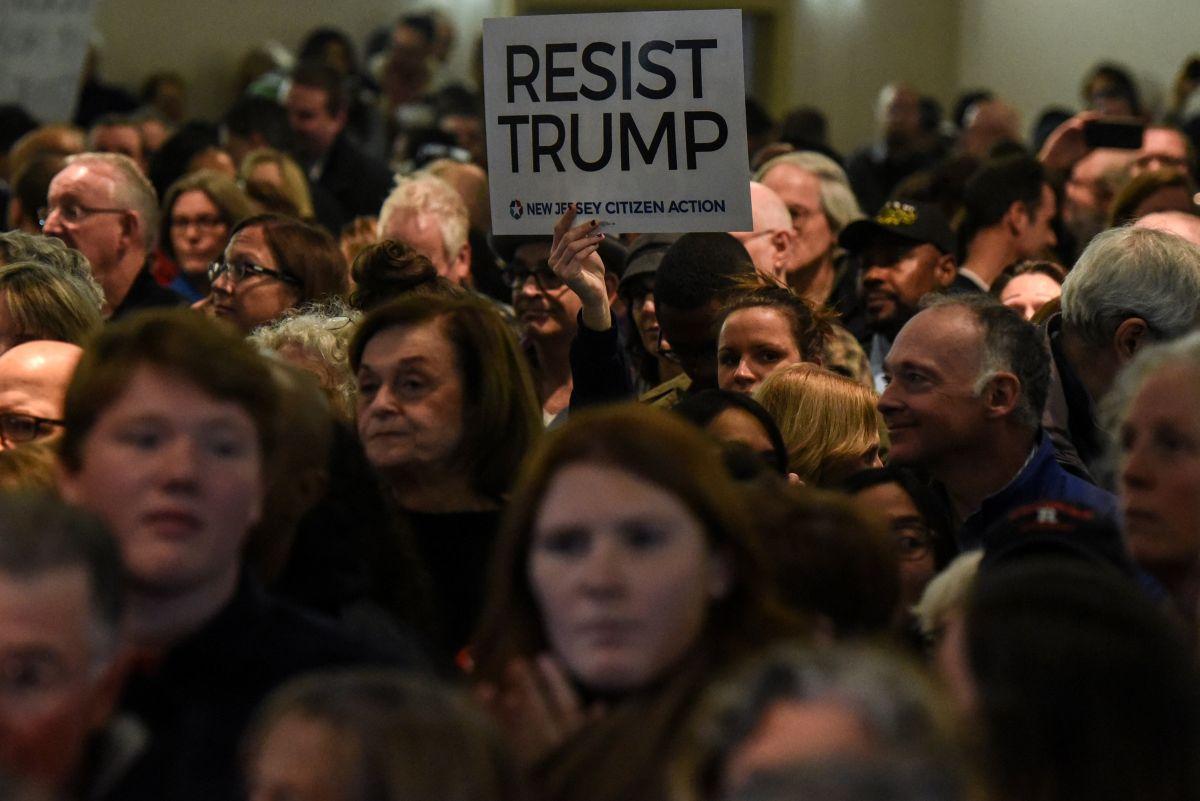 Президент— ненастоящий: вСША ряд конгрессменов объявили Трампу бойкот
