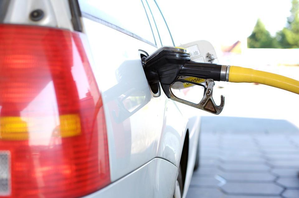 Вице-премьерРФ считает, что цены нанефть истоимость бензина несвязаны