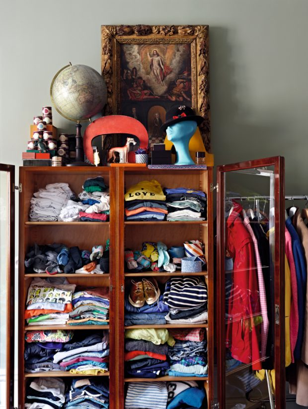 Most people don't want clutter laying around their home. Be it in the garage, bedroom floor or close