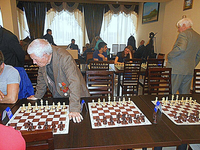 Шахматы - это и развлечение, и спорт, и творчество .... DSCN1955.JPG