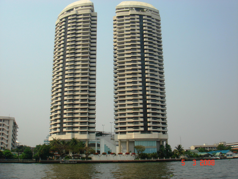 Башни-близнецы в Бангкоке.