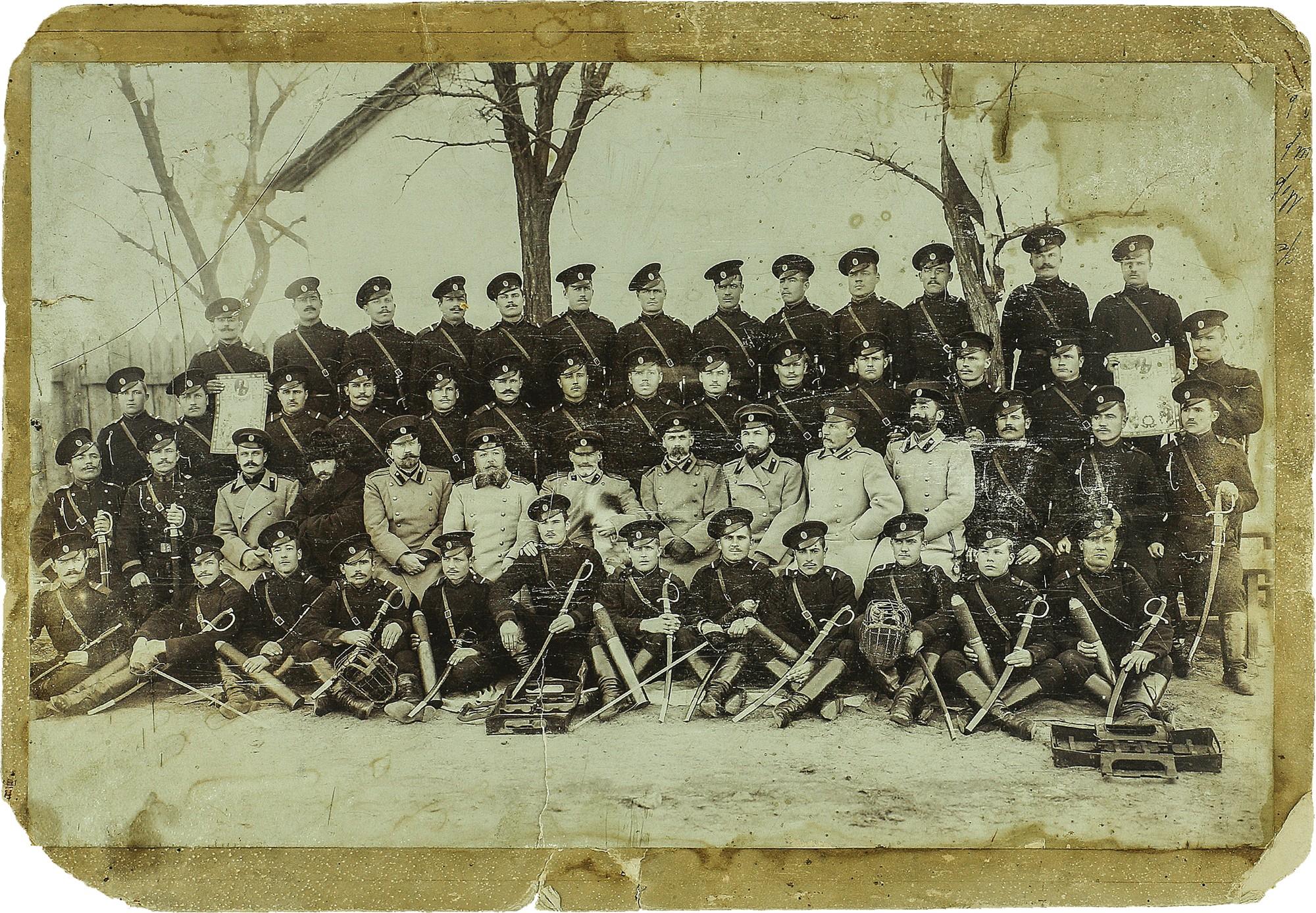Фото выпуска учебной артиллерийской команды с преподавателями. 1907-1914