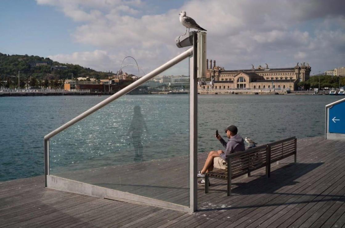 Urban Coincidences – The unusual photographs of Pau Buscato