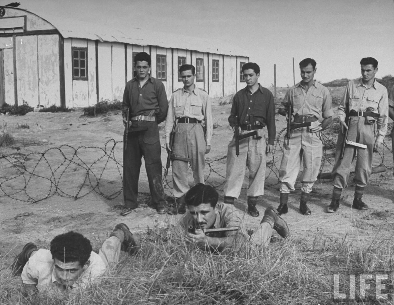 На тайных сборах в горах новобранцы «Хаганы» проходят военную подготовку. Март